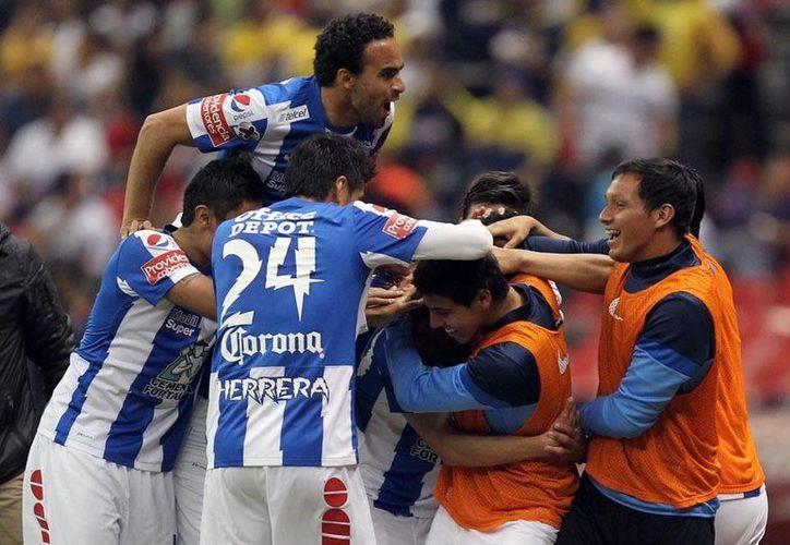 Tuzos de Pachuca derrotó 0-1 a Águilas del América y ya suma 10 puntos en el actual torneo. Los azulcremas se quedaron con 12. (NTX)