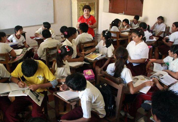 Los padres son los primeros educadores y no pueden delegar esa responsabilidad a terceras personas, es decir, a los maestros. (SIPSE)