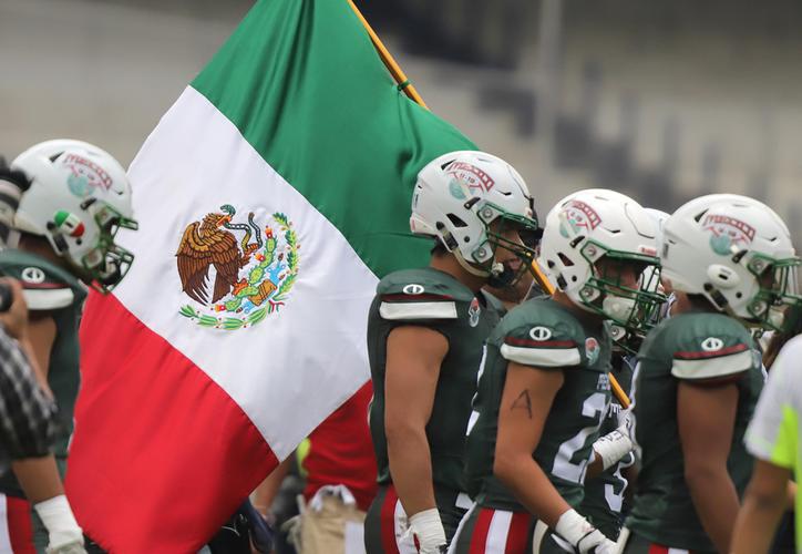 México inició con buena ofensiva gracias a Esteban Solares. (Notimex)