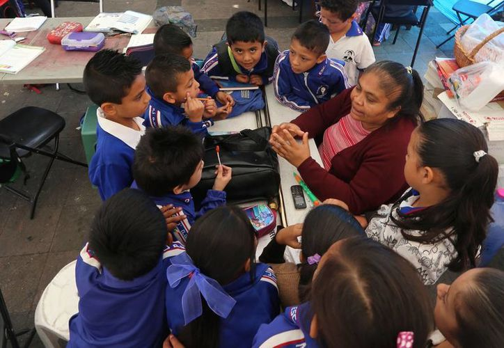 En México, el porcentaje de profesores con empleo permanente es menor que en otros países. (Notimex/Archivo)