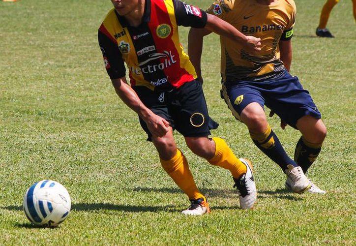 En la otra llave y de manera sorpresiva, Inter Acapulco derrotó en la tanda de penales a Real Azteka. (Ángel Mazariego/SIPSE)