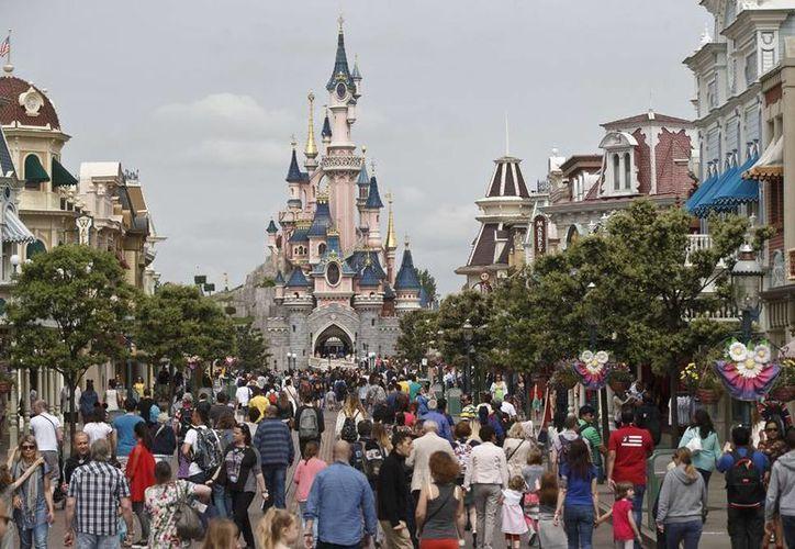 El parque de diversiones de Disney de París es el único de la firma estadounidense en Europa. (Agencias)