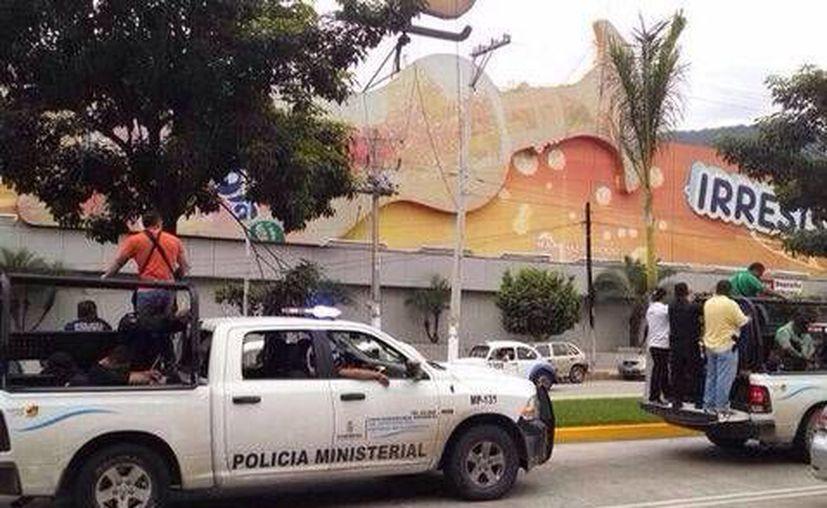 El traslado de los policías de Iguala al penal de Acapulco. (milenio.com)