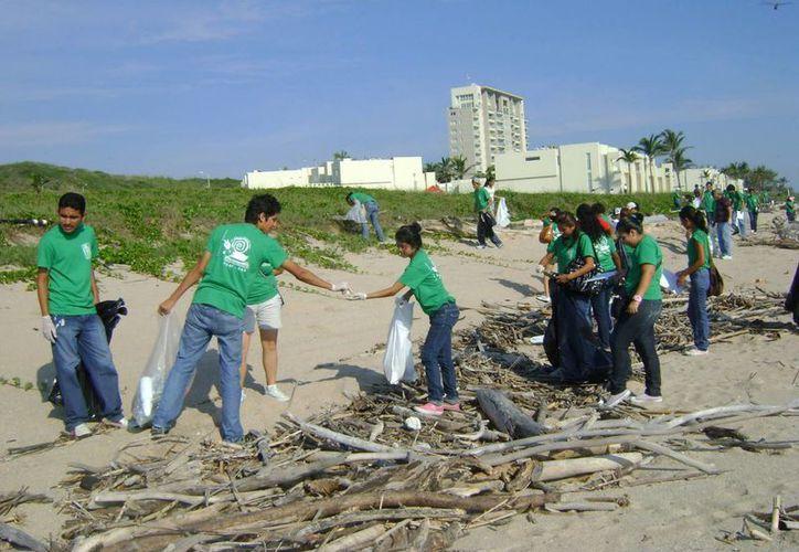 OceanConservancy México recononió la labor que ha realizado el plantel Conalep II en Cancún. (Redacción/SIPSE)