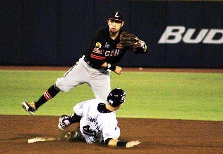 El pelotero se desempeña como segunda base. (Redacción/SIPSE)