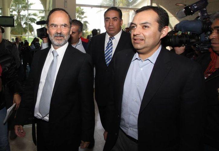 Declinan senadores panistas asistir a reunión con su líder de partido y refrendan su apoyo a Ernesto Cordero Arroyo. (Notimex)