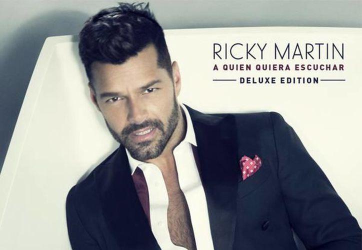 Portada del nuevo disco deluxe del cantante Ricky Martin, llamado  A quien quiera escuchar. (@ricky_martin)