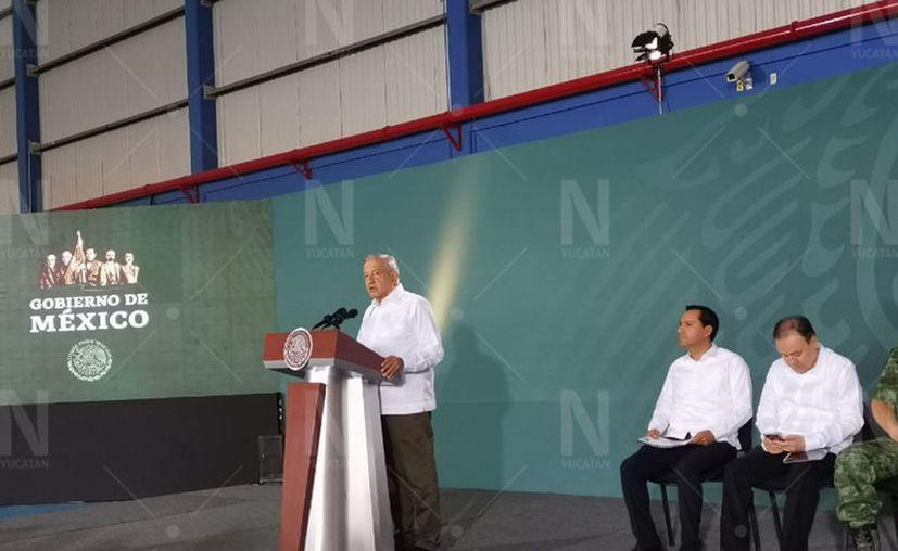 El presidente Andrés Manuel López Obrador durante su conferencia mañanera. (José Acosta/Novedades Yucatán)