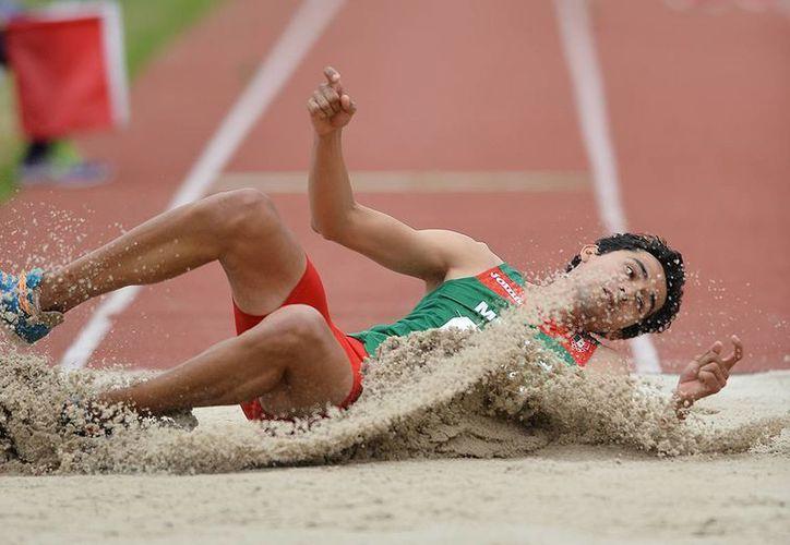 Álvarez cerró con 16.47 para la novena plaza general.(Conade)