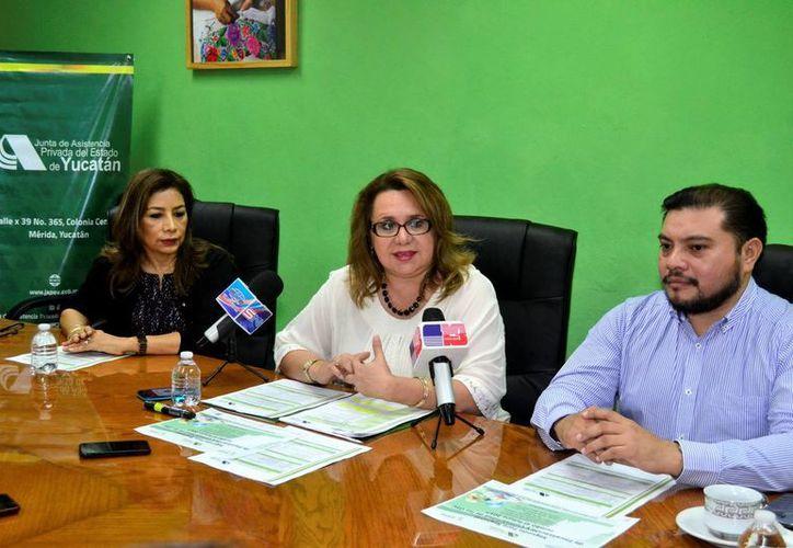 El evento de la Japey será dirigido a las Organizaciones de la Sociedad Civil de Yucatán, Campeche y Q. Roo. Imagen de la rueda de prensa de la presentación del foro. (Milenio Novedades)