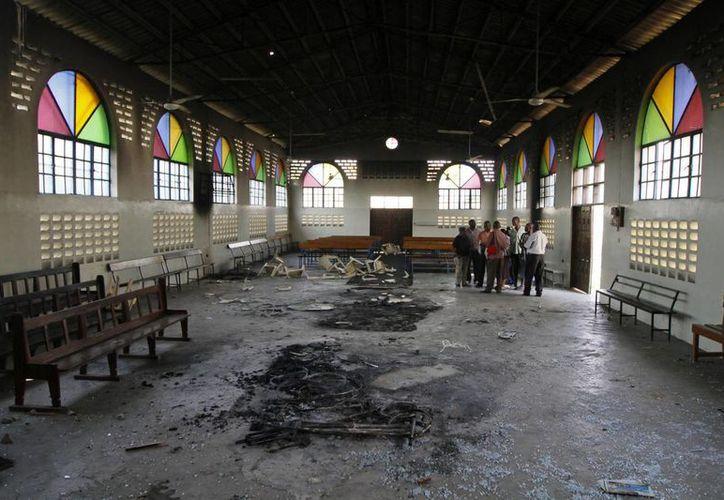 Estado en el que quedó una iglesia de Mombasa tras ser objeto de un ataque de jóvenes musulmanes. (Archivo/EFE)