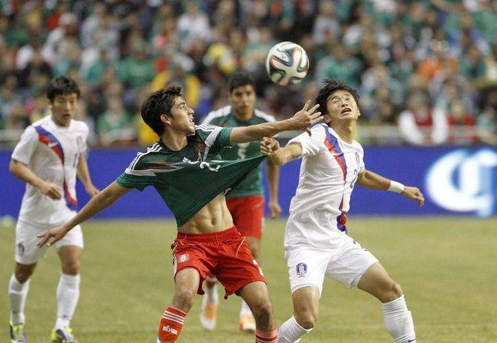 El Tri no se movió de su peldaño a pesar de vencer 4-0 a Corea del Sur, ya que el partido no fue dentro de la denominada fecha FIFA. (Archivo Notimex)
