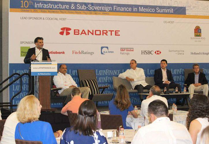 Durante el encuentro, las empresas inversionistas en infraestructura como MacQuarie Real Assets México, vieron con buenos ojos esos proyectos que se prevén tengan una coinversión público-privada. (Adrián Barreto/SIPSE)