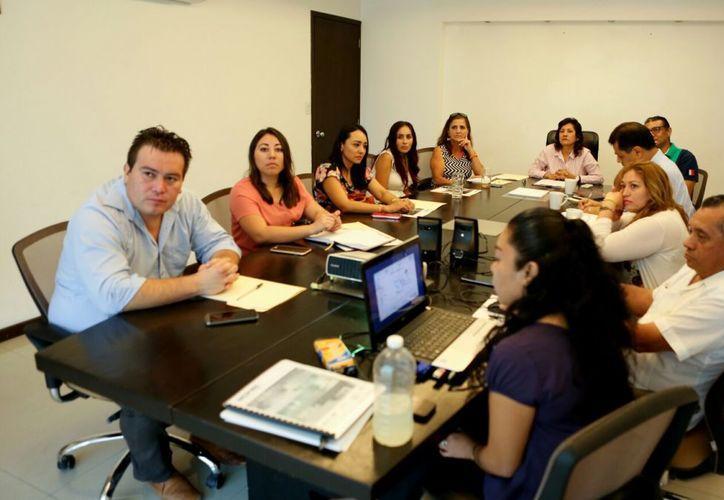 En la reunión del DIF se abordaron temas acerca de violencia física, psicológica y sexual contra la niñez y adolescencia. (Redacción/SIPSE).