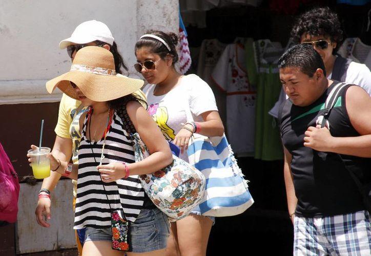 Las altas temperaturas seguirán haciendo de las suyas durante estos días. (Juan Albornoz/SIPSE)