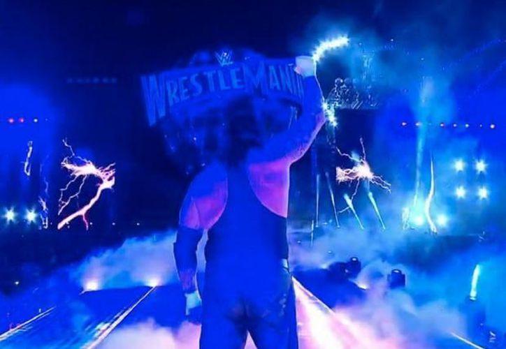 La mítica racha del Undertaker terminó a manos de Brock Lesnar. (independent.co.uk)