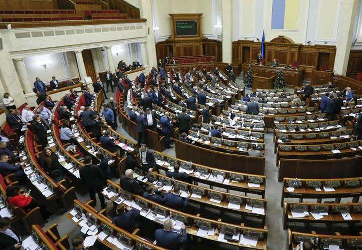 Un total de 280 diputados votaron a favor de la polémica ley. (lavanguardia.com)