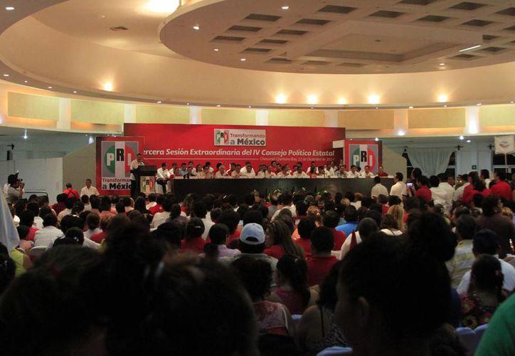 Ayer se celebró la Tercera Sesión Extraordinaria del Consejo Político Estatal del PRI. (Harold Alcocer/SIPSE)