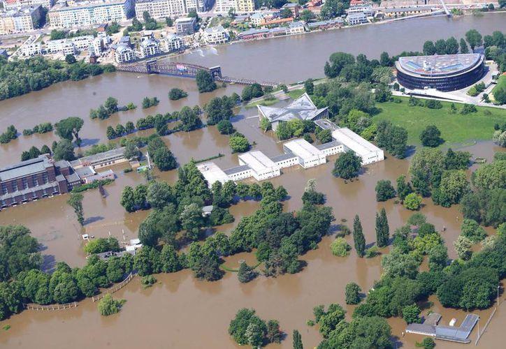 Hasta el momento han muerto 21 personas por las inundaciones en Europa central. (Agencias)