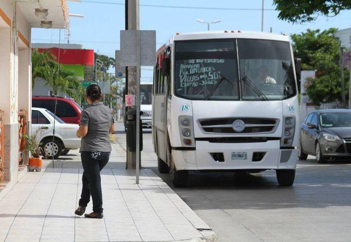 La Dirección de Transporte de Solidaridad ya prepara sanciones para los transportistas públicos que cobren más de lo permitido. (Octavio Martínez/SIPSE)
