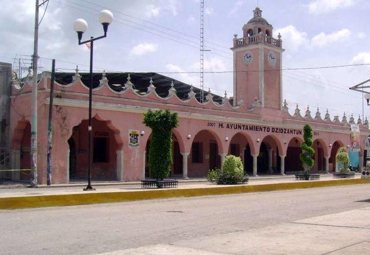 Concejales de Dzidzantún le han dicho al alcalde que si quieren que les apruebe su propuesta de tesorero deben tener un sueldo de 20 mil pesos mensuales. (SIPSE)