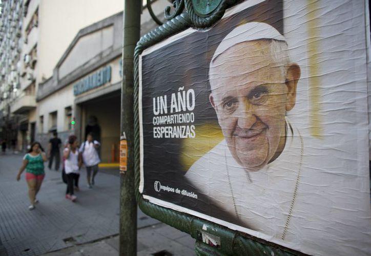 El jueves, Buenos Aires celebró con diversos actos la asunción del Papa Francisco al trono de San Pedro, ocurrida hace un año. (Agencias)