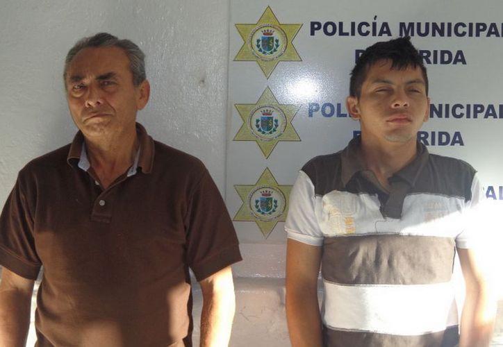 Valencia Bellavista y Martínez López, acusados de robar una cartera de mujer. (Cortesía)