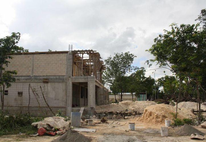 La escuela de la colonia Xulká deberá estar terminada en diciembre. (Sara Cauich/SIPSE)