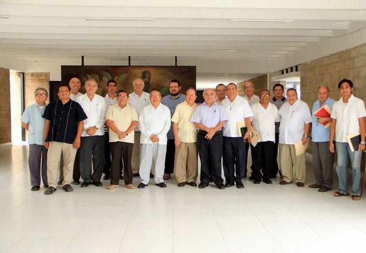 El presbiterio analizó la realidad que vive la Iglesia de Yucatán. (José Acosta/SIPSE)