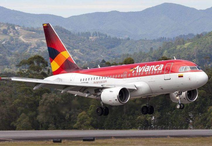 Los turistas llegan por medio de la conectividad aérea de países vecinos. (Israel Leal/SIPSE)