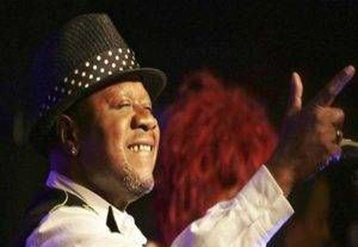 Aún se desconocen las causas  del fallecimiento de Papa Wemba en plena actuación en el Festival de Músicas Urbanas de Anoumabo. (Imagen tomada de sunnewsonline.com)