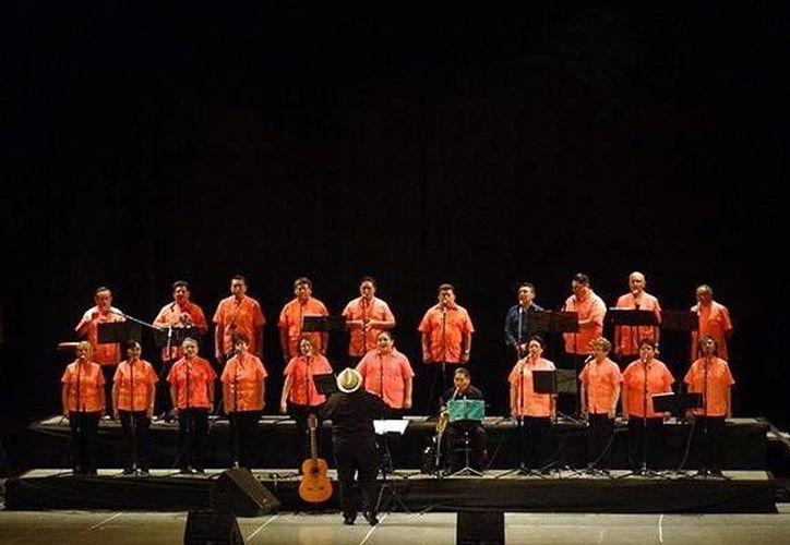 La agrupación Voces Sin Fronteras está cumpliendo una década de conquistar a la gente con su música. (Milenio Novedades)