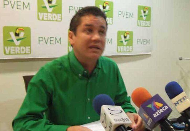 Imagen del senador Carlos Alberto Puente Salas, uno de los legisladores que incurrieron en este tipo de irregularidades. (foto tomada de ntrzacatecas.com)