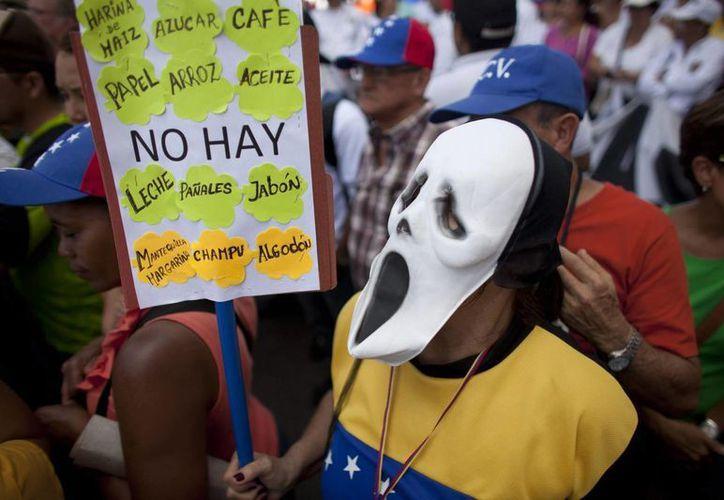 Venezuela lleva más de un año con una severa crisis económica y de abasto de alimentos. (Archivo/AP)