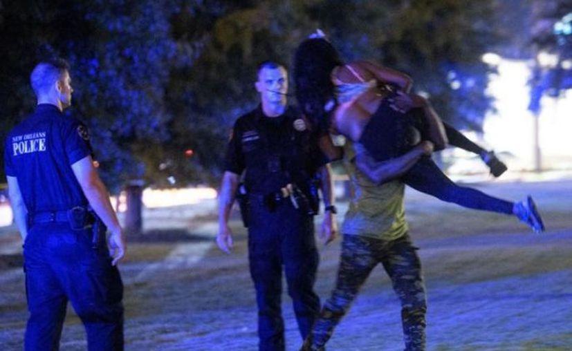 Entre los siete heridos de bala uno permanece en estado crítico. ( Twitter: @theadvocateno)