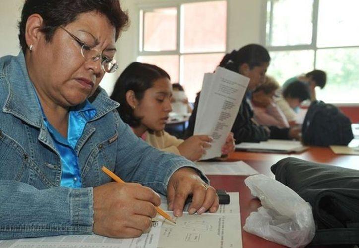 El Instituto Estatal para la Educación de los Adultos cuenta con asesores que viajan a las comunidades.