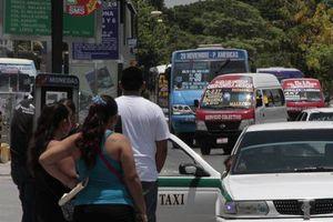 Buscan medidas para <i>desahogar</i> el flujo vial en la Tulum