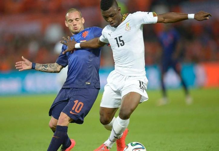 La Federación Ghanesa de Futbol confirmó que el central Jerry Akaminko no estará en Brasil 2014. (AP)