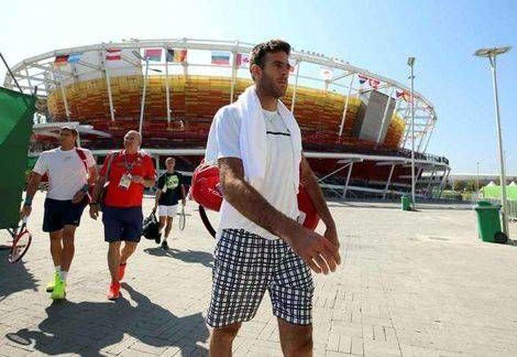 El tenista argentino pasó un tremendo susto horas antes de enfrentar a Novak Dojkovic. (EFE)