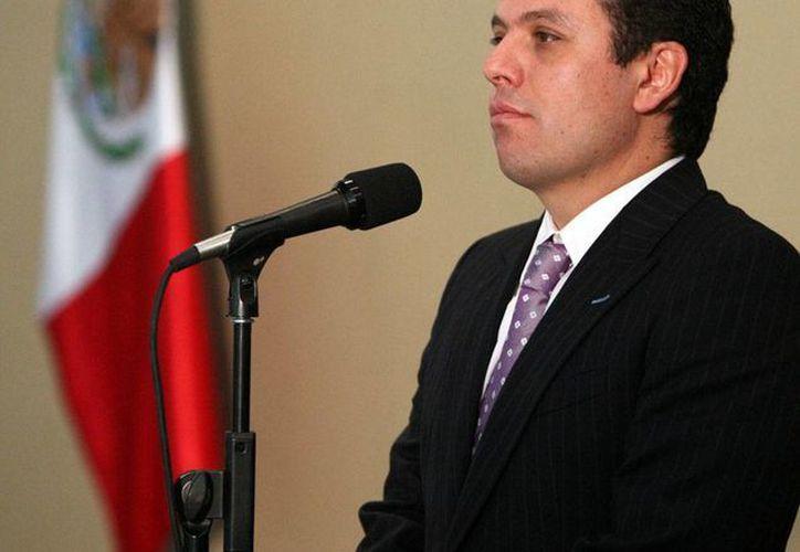 El consejero jurídico de la Presidencia, Humberto Castillejos Cervantes, defendió las leyes secundarias en telecomunicaciones que ayer aprobaron las comisiones del Senado. (Archivo/NTX)