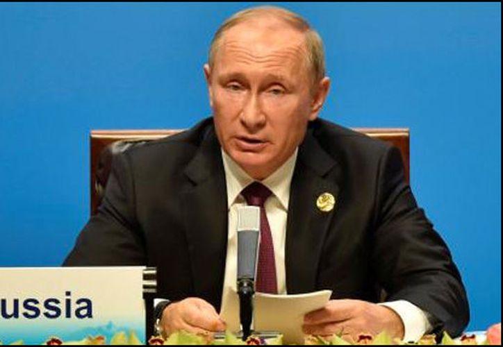 Sin esperar a que la iniciativa entre en vigor, el Ministerio de Justicia ruso dio nombres de las empresas dedicadas a informar que serían afectadas con esta medida. (Foto: Radio Fórmula)