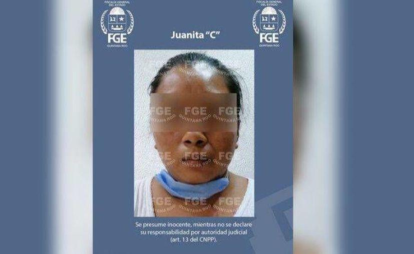 Autoridades de Quintana Roo detuvieron a Juanita C., quien está acusada de feminicidio agravado, pues con engaños llevó a su casa a una joven, la mató para extraerle al bebé, quemó su cuerpo y lo descuartizó. (Cortesía)
