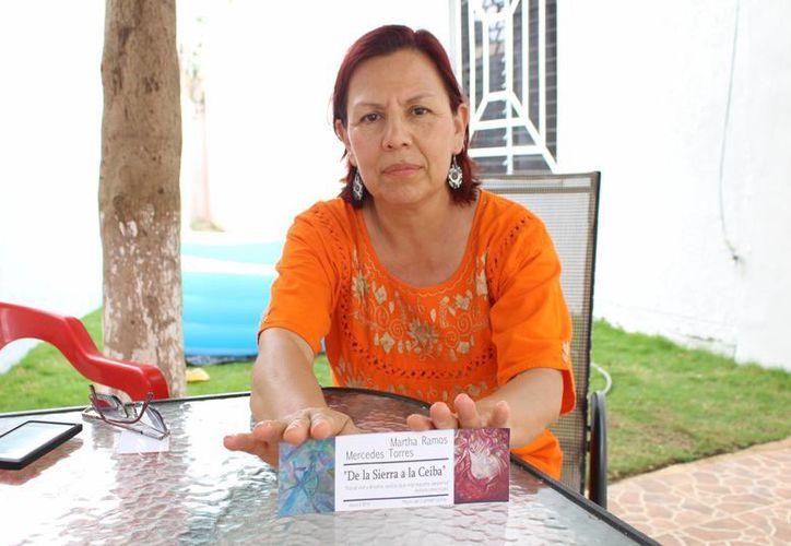 La pintora Mercedes Torres resalta en sus obras aspectos de Delicias, municipio chihuahuense, de donde es originaria. (Luis Ballesteros/SIPSE)