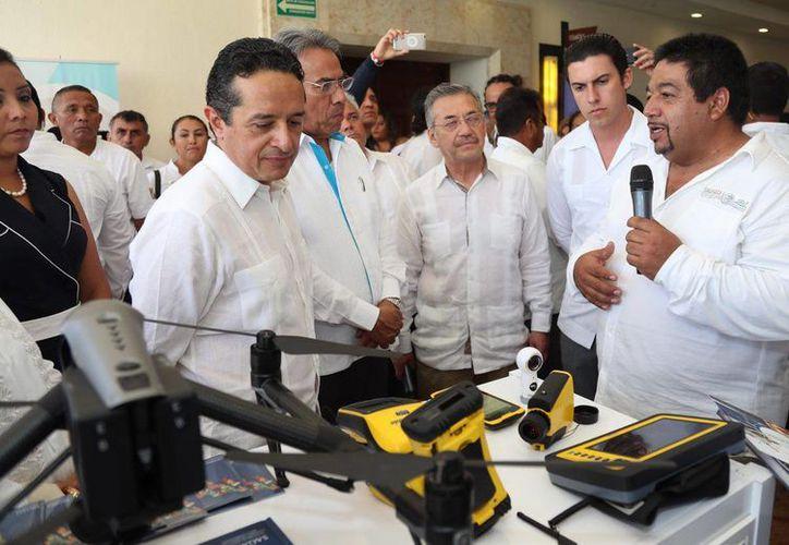 El gobernador Carlos Joaquín González afirmó durante el acto inaugural que esta medida permitirá en Quintana Roo eliminar toda posibilidad de que se repitan actos de corrupción . (Facebook)