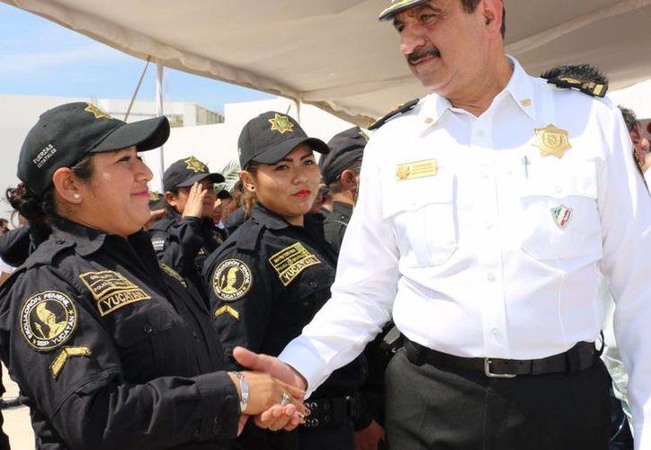 La SSP dio inicio este viernes a una estrategia de seguridad y vialidad específica para la temporada navideña en todo Yucatán. (Foto cortesía del Gobierno estatal)