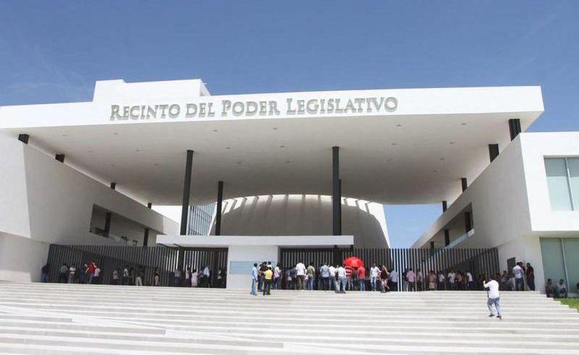 Hoy es un día crucial para el Estado: el Congreso votará la propuesta para un empréstito. (Archivo/Novedades Yucatán)