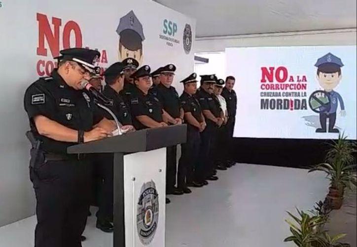 """Esta tarde se presentó la campaña 'Cruzada contra la Mordida"""" en las instalaciones del C4 de Cancún. (Facebook)"""