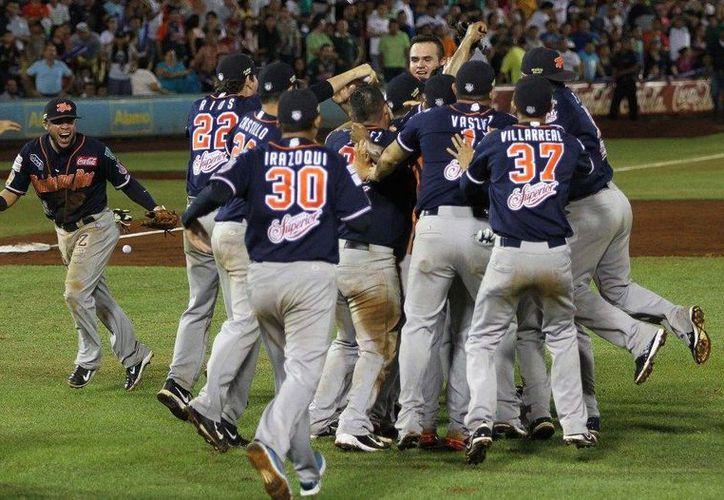 Leones de Yucatán perdió la final de la Zona Sur de la Liga Mexicana de Beisbol ante Tigres de Quintana Roo (foto) en el séptimo juego jugado en Mérida. (Notimex)