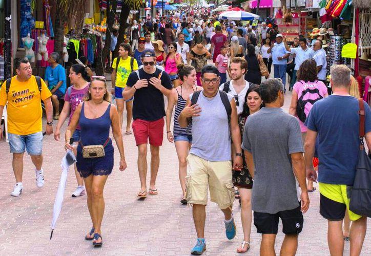 Actualmente hay alrededor de 30 mil residentes extranjeros en la geografía local. (Daniel Pacheco/SIPSE).