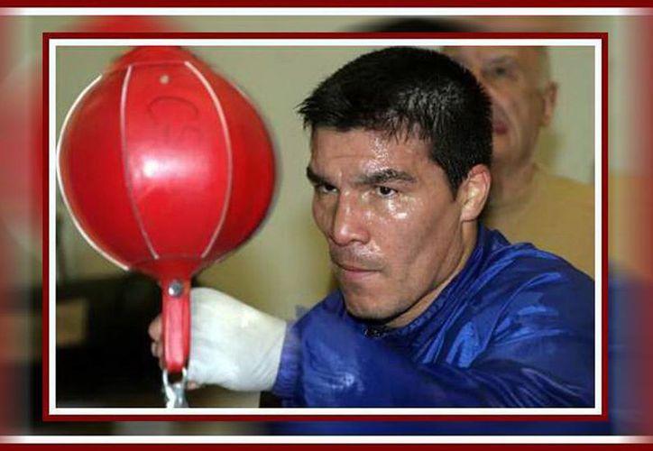 """Contra todas las recomendaciones y advertencias, el argentino Carlos """"Tata"""" Baldomir pelearía este viernes en Kanasín contra el ruso Andrey Meryasev. (SIPSE)"""